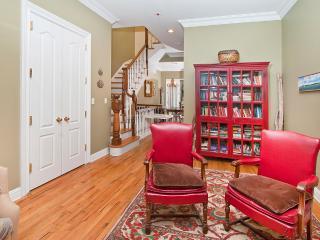 Huge 3 Bedroom Manhattan House Central, Garden - New York City vacation rentals