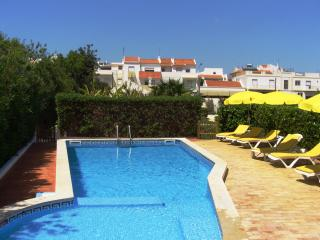Private villa beautiful pool and gardens, 4 guests - Alvor vacation rentals