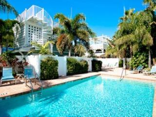 Pool 2 - Palm Isle 3208 - Holmes Beach - rentals