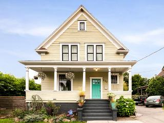 Beautifully finished and perfect for groups - Seattle vacation rentals
