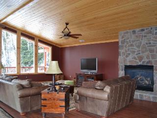 Pet-friendly home w/jetted tub & views of Navajo Ridge! - Brian Head vacation rentals