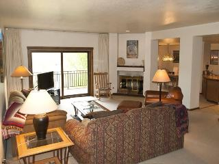 Summit #2816 - Elkhorn - next to tennis courts & pool, on site hot tub - Sun Valley / Ketchum vacation rentals