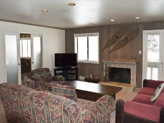 Cottonwood #1464- Remodeled Ground Level Condo in Desirable Sun Valley Location; - Sun Valley vacation rentals