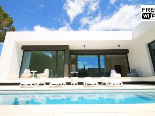Modern villa with private pool and garden - L'Escala vacation rentals