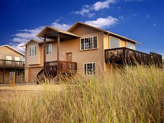Fantastic location, amazing view! (Beach Time) Book 2, get 2 FREE! - Long Beach vacation rentals