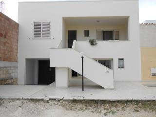 confortevole casa  S.M.di LEUCA vicino la spiaggia - Santa Maria di Leuca vacation rentals
