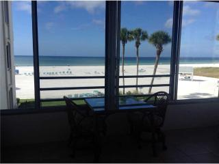 Amazing 2BR w/ picturesque views & sunsets - 4 South - Siesta Key vacation rentals