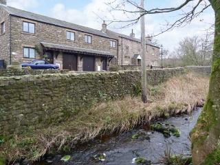 BARN COTTAGE, pet-friendly terraced cottage, woodburner, close to walks, Ireby, Ingleton Ref 913628 - Yorkshire Dales National Park vacation rentals