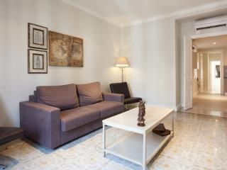Bloom ** Cocoon Family & groups (BARCELONA) - Catalonia vacation rentals