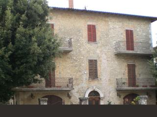 apartment in a palace - Todi vacation rentals