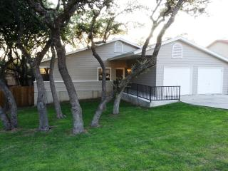 Gorgeous Home, Shady Oaks, Lg. Deck. BMT Specials! - San Antonio vacation rentals