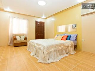 ***BIG PRIVATE ROOM. STUDIO TYPE, 5min FROM FIELDS - Mabalacat vacation rentals