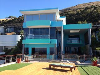 Villa Oceanic in trendy Green Point (Cape Town) - Sea Point vacation rentals