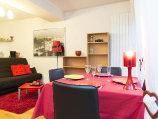 Large studio flat with garden - P12 - Bailly-Romainvilliers vacation rentals