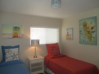 4 Bedroom House, Near Disney and Knotts in Anaheim - Anaheim vacation rentals