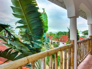 Resort retreat w/ Jacuzzi, infinity pool & beach access - Placencia vacation rentals