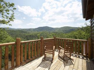 OVER THE RAINBOW - Pigeon Forge vacation rentals