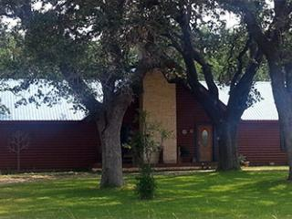 Chez J, a Restful Retreat - Wineries Waiting! - Spicewood vacation rentals