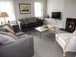 TY-BANC, first floor apartment, woodburning stove, private courtyard with furniture, close to city's amenities in the centre of St Davids, Ref 29278 - Saint Davids vacation rentals