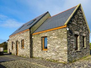 CORR AN DROMA family-friendly, sea views, multi-fuel stove in Schull Ref 29301 - Glengarriff vacation rentals