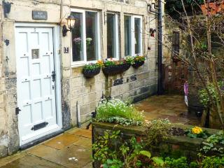 MAY COTTAGE, Grade II listed, woodburner, enclosed courtyard, on the banks of the Rochdale Canal, near Hebden Bridge, Ref 912967 - Nelson vacation rentals
