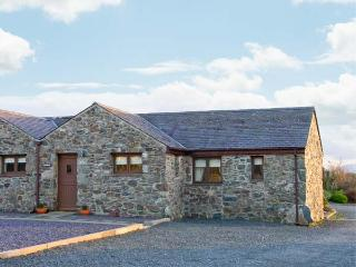 SWALLOW, all ground floor, communal games room, superb on-site facilities, in Newborough, Ref 915448 - Dwyran vacation rentals