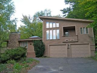 Beechnut 5 - Professionally Managed by Loon Reservation Service - Lincoln vacation rentals