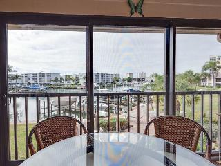 Yacht & Racquet 322, Canal View, Heated Pool, Tennis - Fort Myers Beach vacation rentals