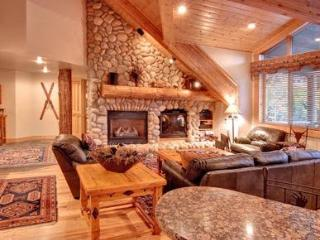 Amazing 3 Bedroom Ski Lodge with Heated Pool in Deer Valley - Deer Valley vacation rentals