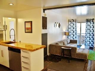 Fab Modern Mountain Retreat: Urban Design, Steps from Canyon Lodge - Listing #329 - Mammoth Lakes vacation rentals