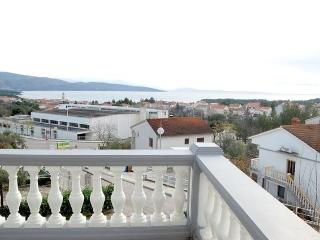 Damis Leopold(264-655) - Baska vacation rentals