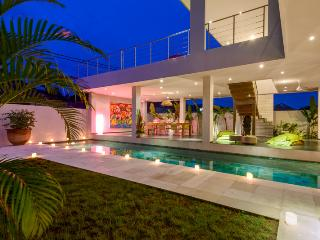 VILLA TURQUOISE 3 BDR  heart of Seminyak 5mn beach - Seminyak vacation rentals
