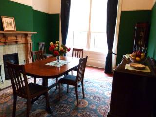 ELEGANT VICTORIAN APARTMENT WITH UNRIVALLED VIEWS - Glasgow vacation rentals