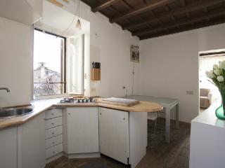 CR346 - Lovenest in the heart of Campo dei Fiori - Fabrica di Roma vacation rentals