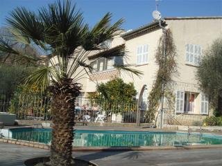 Charming villa apartments max 16 persons - Vence vacation rentals