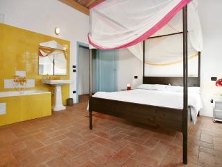 Originally Furnished 4 Bedroom Villa with Pool - San Casciano in Val di Pesa vacation rentals