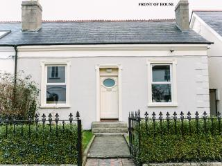 Cosy Town House 15 Minutes Bus Ride To The City/ - Dublin vacation rentals