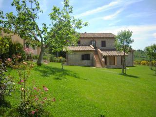 Casa Vacanze Il Pozzo - Appartamento Lavanda - Lugnano in Teverina vacation rentals