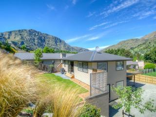 Redfern - Ski / Warmth / Relax - South Island vacation rentals