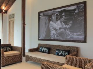 Joglo Dugul 2 in the heart of Penestanan - Ubud vacation rentals