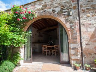Elegant Apartment in Chianti, close to Florence! - San Casciano in Val di Pesa vacation rentals