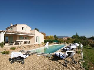 LS2-146 : ROUMANIN in the Natural Park of Luberon - Goult vacation rentals