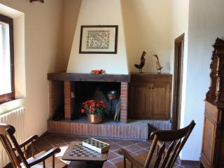 Cottage in Chianti, with pool, spa, and wonderview - Castellina In Chianti vacation rentals