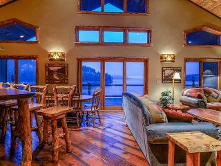 Sun Up Bay Mountain Lodge - Coeur d'Alene vacation rentals