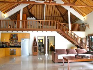 Beachfront, luxury 2 or 3 bedroom Villa - West Nusa Tenggara vacation rentals