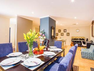 Istana Alfred Cove Perth-FREE Internet n IDD Calls - Perth vacation rentals