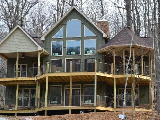 Just Built! Views, Pool Table, Fireplaces, PS-4 - Harrisonburg vacation rentals
