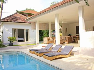 Lovely 3 Bedroom Villa In central Seminyak - Seminyak vacation rentals