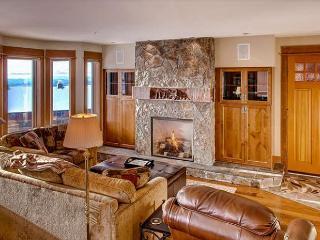 2 bedroom, 3 bathroom + den lower floor condo central location. - Big White vacation rentals