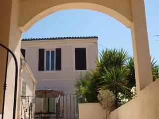 Appartement dans une ancienne bastide - Marseille vacation rentals